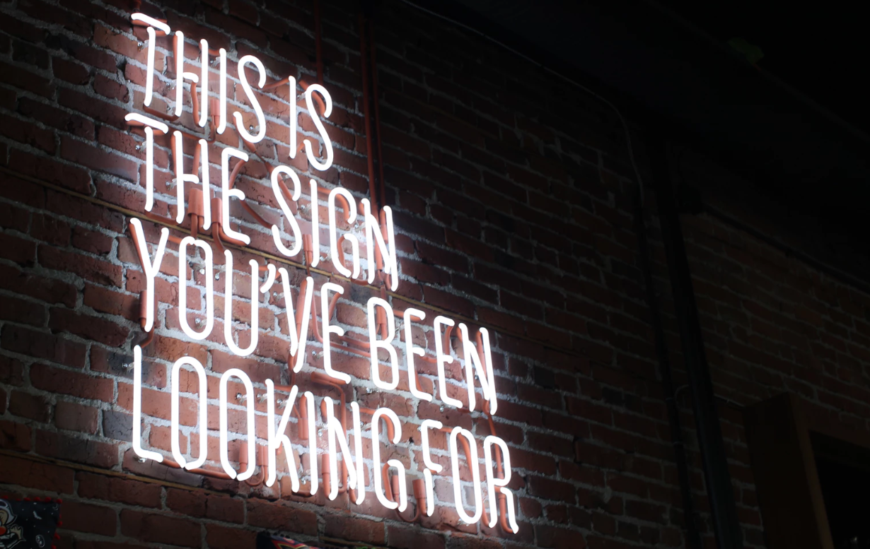 A Comprehensive Guide To The Different Types Of Signage & Their Uses