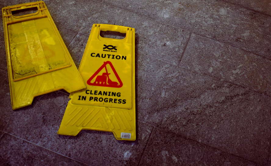The Restaurant Owner's Guide To Meeting Safety Requirements For Signs