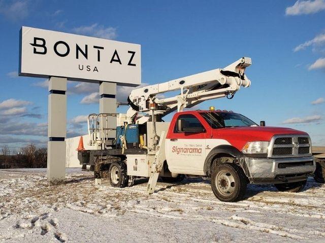 Bontaz Sign - Illuminated Pylon Sign Front with Truck - Troy, MI